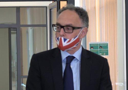 """მივესალმები იმ ფაქტს, რომ ამდენმა პარტიამ და ინდივიდმა ხელი მოაწერა შეთანხმებას""""-დიდი ბრიტანეთის ელჩი საქართველოში"""